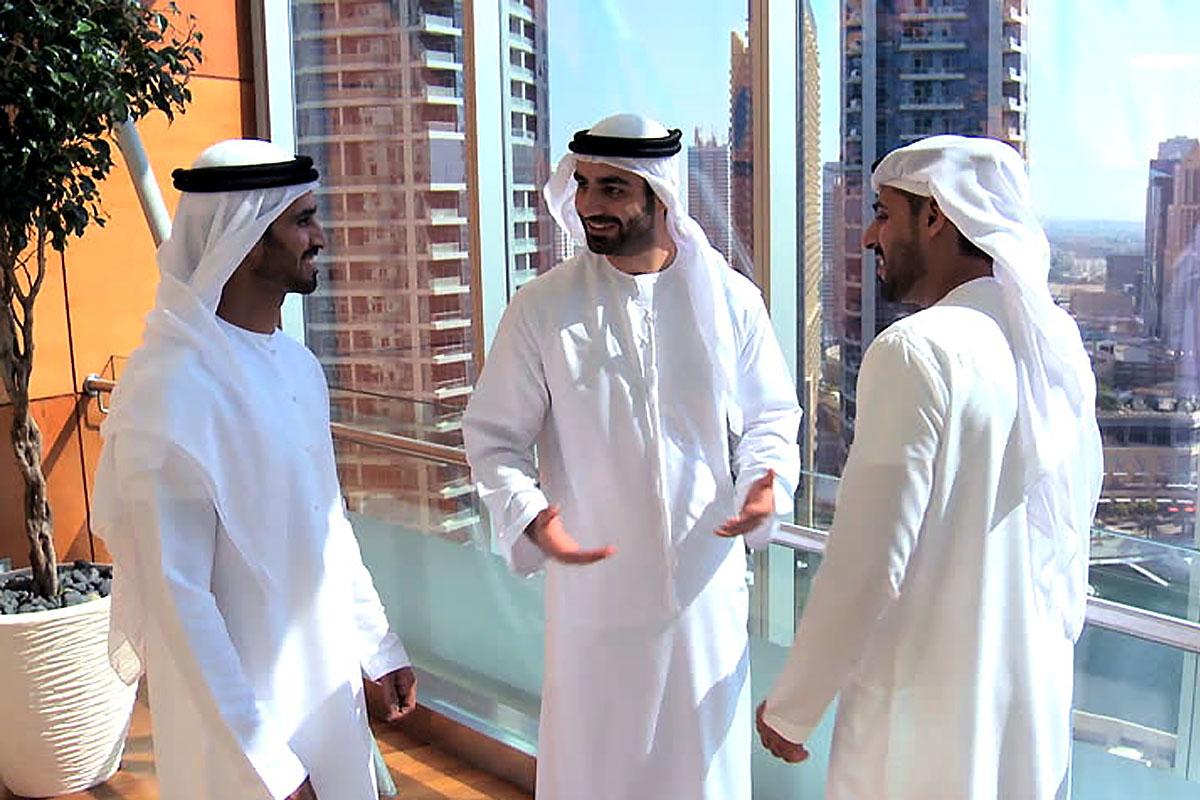 наряд такого как живут шейхи в арабских эмиратах фото подчиненный